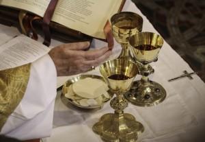 """Eucharystia"" (fot. Lawrence OP)"